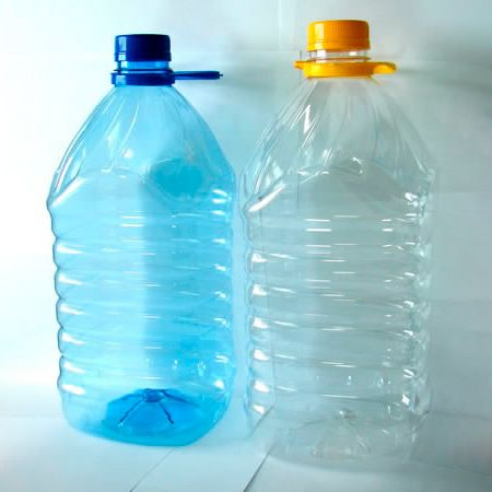 Бутылка ПЭТ 4,5 л квадратная,комплект(бутылка, ручка, крышка) (вес 93 гр.)